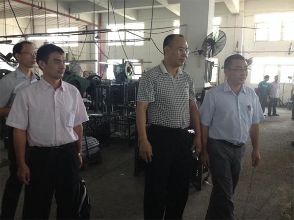 2014年9月19日,四川省人民政府驻广州办事处领导率队走访我会监事长辜元丁的企业